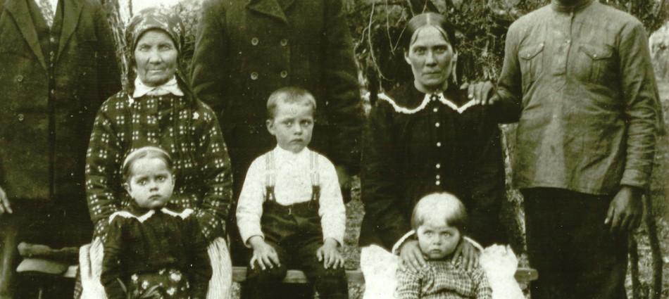Bronwyn Dobchuk-Land